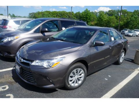 New 2017 Toyota Camry FWD LE 4dr Sedan
