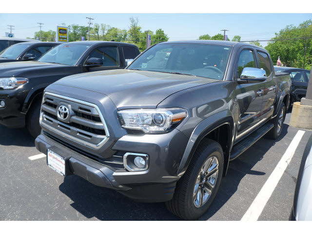 new 2017 toyota tacoma limited double cab 5 bed v6 4x4 at 4x4 limited 4dr double cab 5 0 ft sb. Black Bedroom Furniture Sets. Home Design Ideas