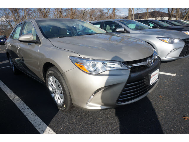 New 2017 Toyota Camry LE Automatic (Natl)