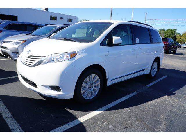 new 2017 toyota sienna le 7 passenger awd le 7 passenger 4dr mini van in eatontown hs187002. Black Bedroom Furniture Sets. Home Design Ideas