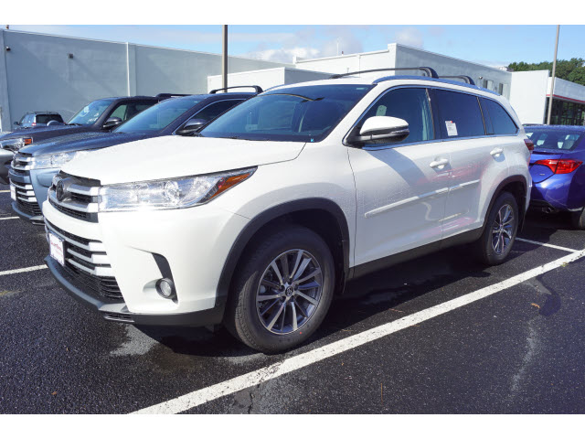 New 2019 Toyota Highlander Xle V6 Awd Awd Xle 4dr Suv In Eatontown