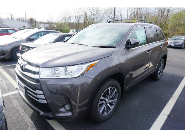 new 2017 toyota highlander xle v6 awd natl awd xle 4dr suv in eatontown hs414127 galaxy toyota. Black Bedroom Furniture Sets. Home Design Ideas